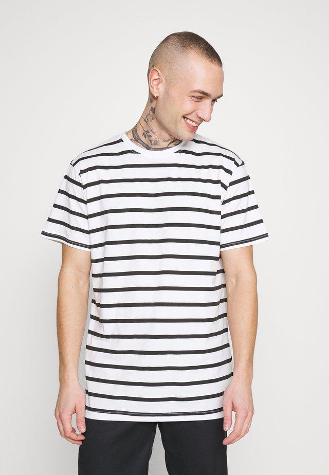 MARCOS STRIP TEE - T-shirts med print - white/black