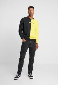 Denim Project - CREW - Sweatshirt - black/yellow - 1