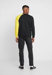 Denim Project - CREW - Sweatshirt - black/yellow - 2