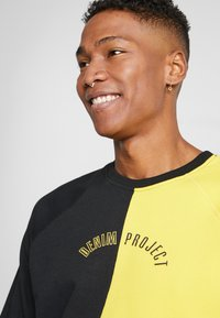 Denim Project - CREW - Sweatshirt - black/yellow - 5