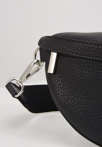 Decadent Copenhagen - TRINA SMALL BUM BAG - Bum bag - black - 6