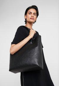 Decadent Copenhagen - ELSA PLAIN TOTE - Tote bag - black - 1