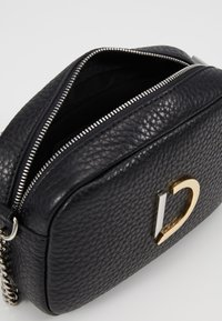 Decadent Copenhagen - MICHELLE TINY BAG - Torba na ramię - black - 5