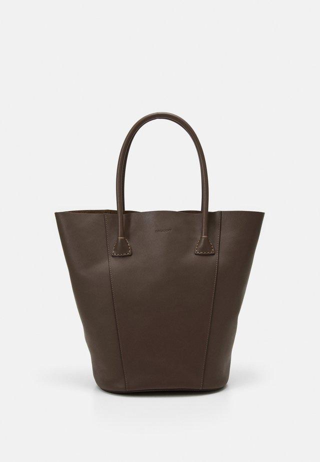 GIA BUCKET TOTE - Shopper - mocha