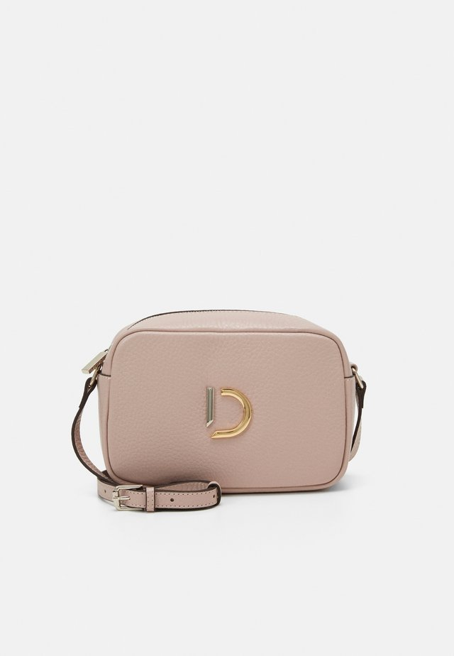 BRIANNA CROSSBODY BAG - Across body bag - rose
