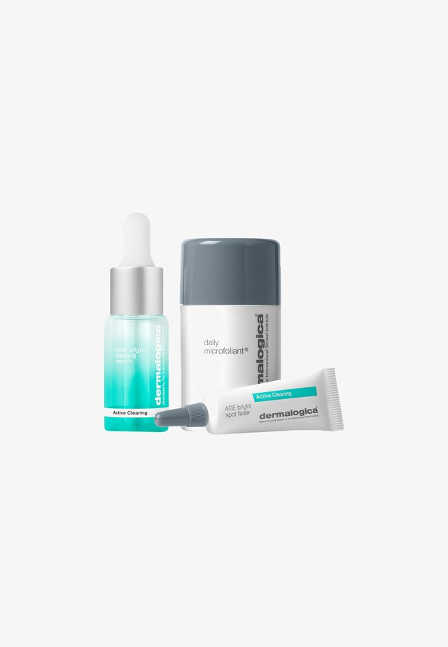 ACTIVE CLEARING KIT - Skincare set - -