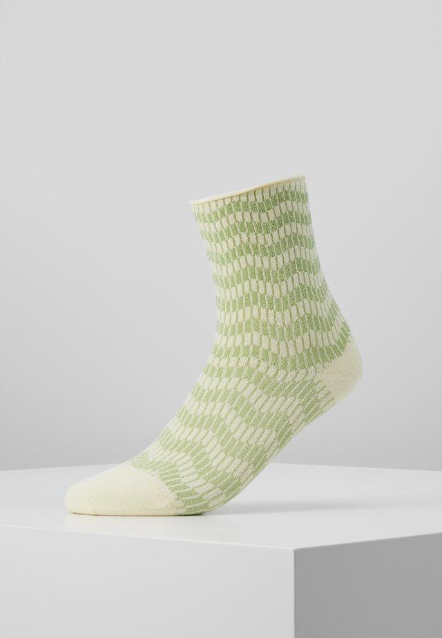 KAREN ZIG ZAG - Ponožky - yellow/mint