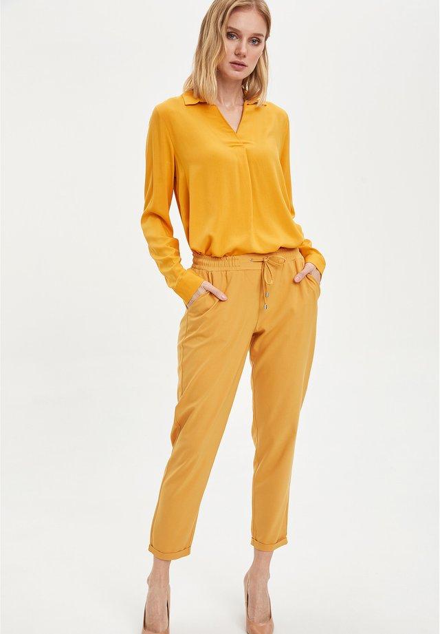 Pantalon classique - yellow