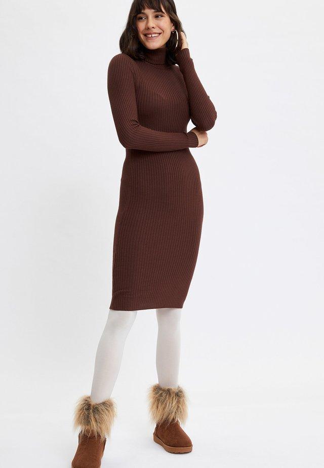 Kotelomekko - brown