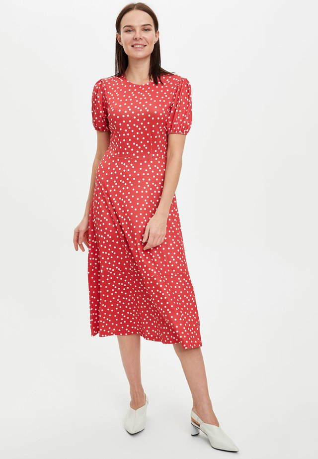 DEFACTO WOMAN RED - Korte jurk - red