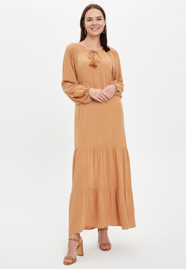 Vestido largo - beige