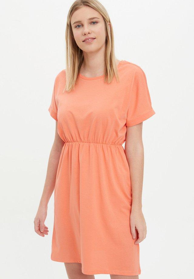 Vestito estivo - peach