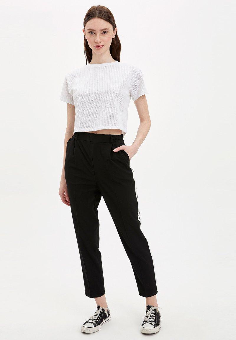 DeFacto - Pantalon classique - black
