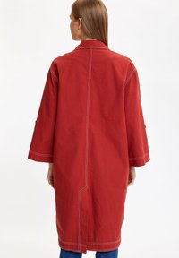 DeFacto - Krótki płaszcz - bordeaux - 2