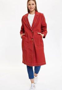 DeFacto - Krótki płaszcz - bordeaux - 1