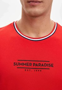 DeFacto - Print T-shirt - red - 4