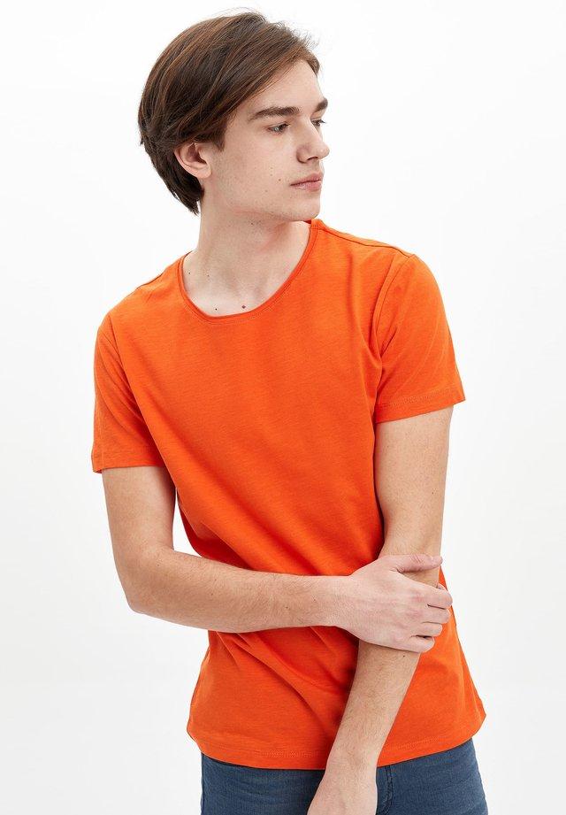 T-paita - orange
