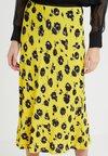 Diane von Furstenberg - MAE - A-line skirt - rose showers goldenrod