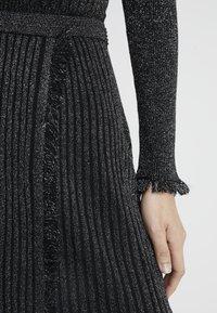 Diane von Furstenberg - BROOKLYN - Áčková sukně - black - 5