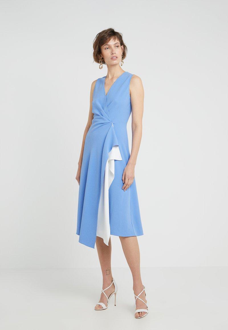 Diane von Furstenberg - ADDISON - Cocktailkleid/festliches Kleid - cornflower/white