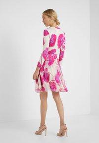 Diane von Furstenberg - IRINA DRESS - Korte jurk - almond - 2