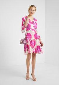 Diane von Furstenberg - IRINA DRESS - Korte jurk - almond - 1