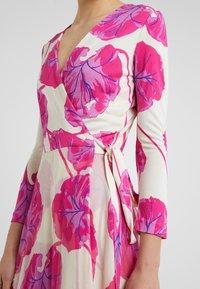 Diane von Furstenberg - IRINA DRESS - Korte jurk - almond - 5