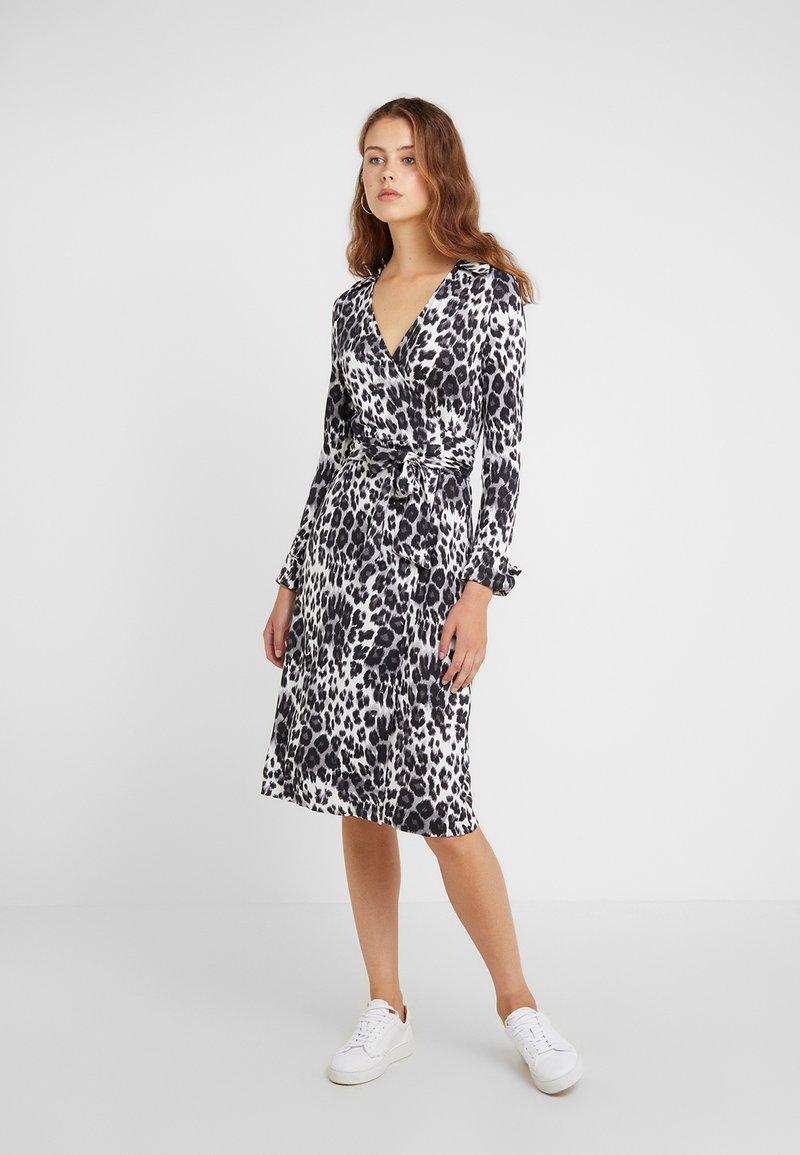 Diane von Furstenberg - ROSS - Korte jurk - heritage snow cheetah grey
