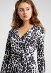 Diane von Furstenberg - ROSS - Kjole - heritage snow cheetah grey