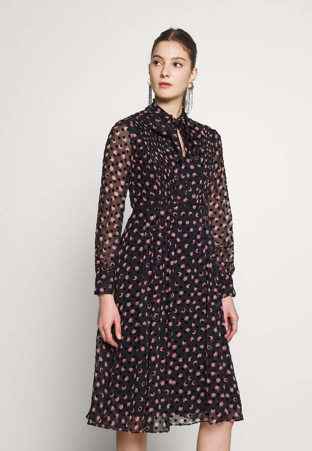 ALEKA - Day dress - black/pink
