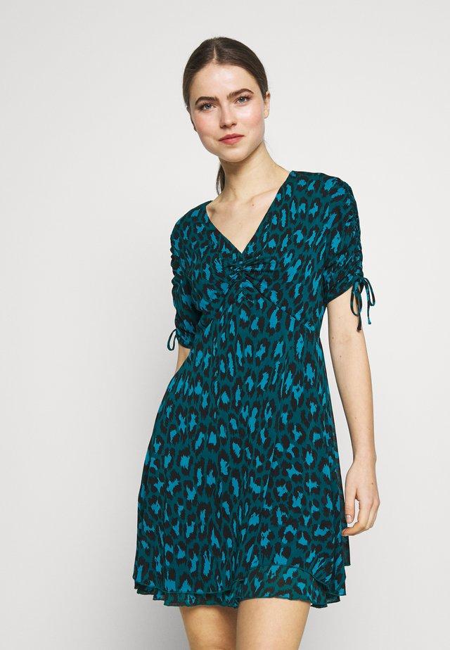 CARIN - Jerseyklänning - simple evergreen