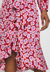 Diane von Furstenberg - CARLA TWO - Korte jurk - daisies poinsettia - 6