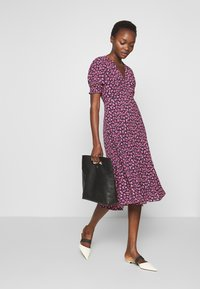 Diane von Furstenberg - IDRIS - Denní šaty - vines petal - 1