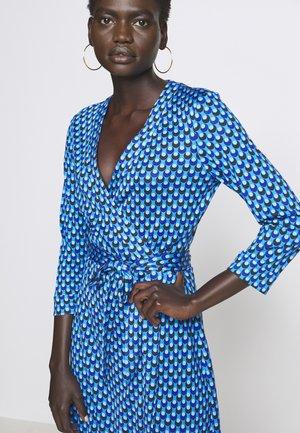 BANDED JULIAN MINI - Jersey dress - adriatic