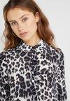 Diane von Furstenberg - MARIAH - Button-down blouse - snow grey