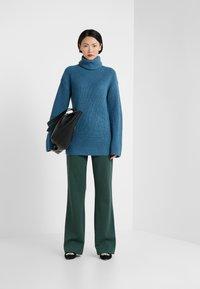 Diane von Furstenberg - EMMANUELLE - Trui - bisman blue / spruce - 1