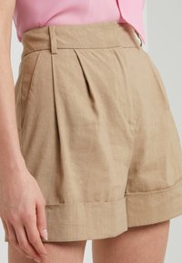 Diane von Furstenberg - SHIANA - Shorts - beige - 3