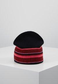 Diane von Furstenberg - ELETTRA - Muts - black/red - 2