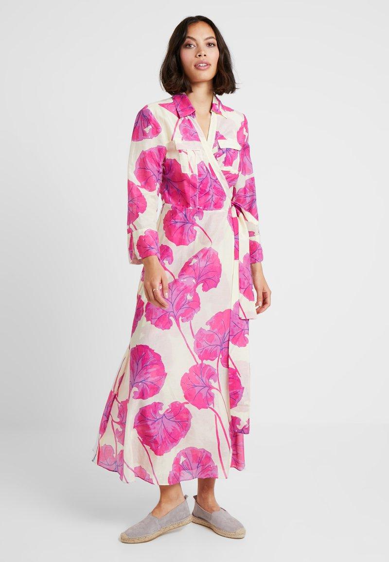 Diane von Furstenberg - COLLARED WRAP - Beach accessory - almond