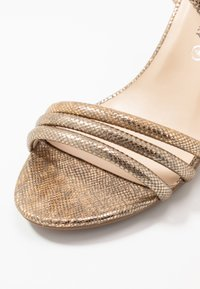 Divine Factory - Korolliset sandaalit - gold - 2