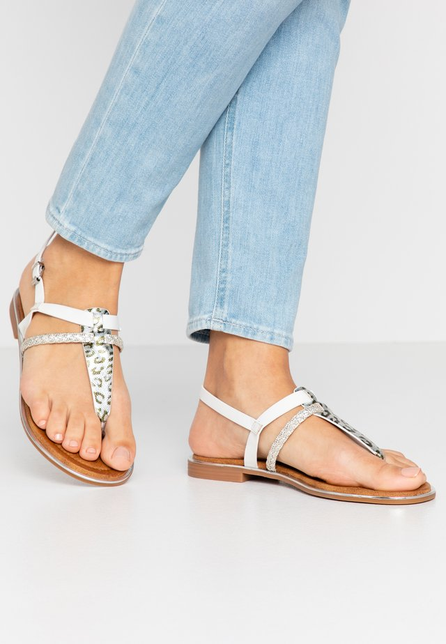 Sandaler m/ tåsplit - blanc