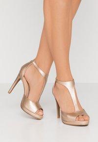 Divine Factory - High heeled sandals - gold - 0
