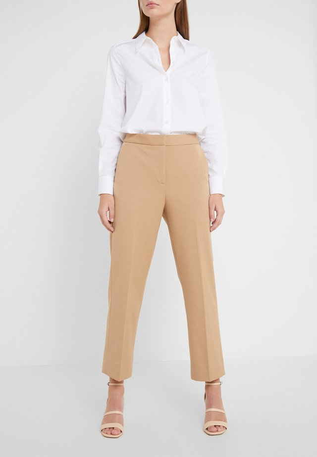 JUDITH - Trousers - camel