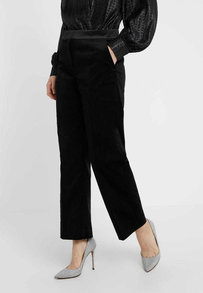 House of Dagmar - Spodnie materiałowe - black