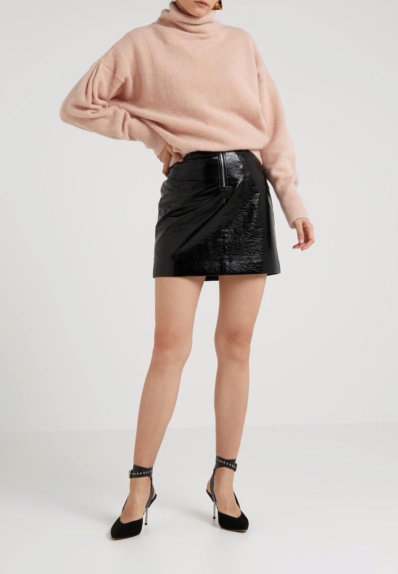 House of Dagmar - BIANKA LACQUER - Mini skirts  - black