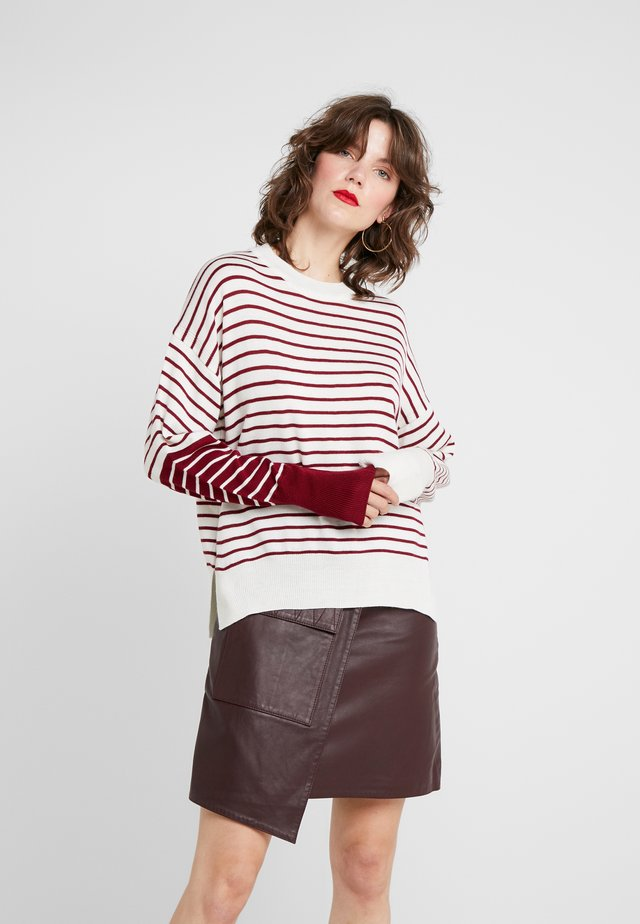 IREN  - Maglione - off white/burgundy