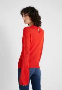 House of Dagmar - HILDA - Sweter - red - 2