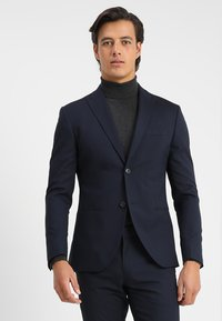 Isaac Dewhirst - BASIC PLAIN SUIT SLIM FIT - Garnitur - navy - 4