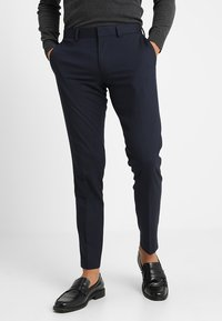 Isaac Dewhirst - BASIC PLAIN SUIT SLIM FIT - Garnitur - navy - 2