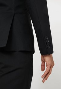 Isaac Dewhirst - BASIC PLAIN SUIT SLIM FIT - Kostuum - black - 7